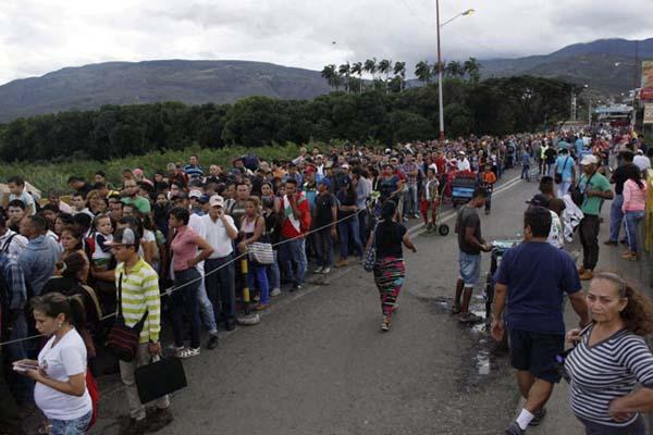 """#CotejoVerifica: """"¿El 67% de las personas que cruzan el Puente Simón Bolívar son colombianos?"""""""