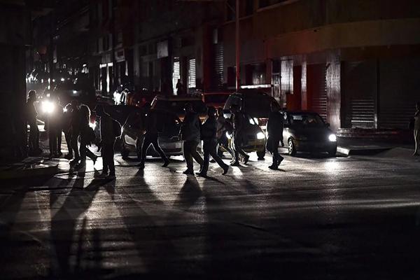 Escasez de gasolina es una noticia falsa (fake news) #Cotejado