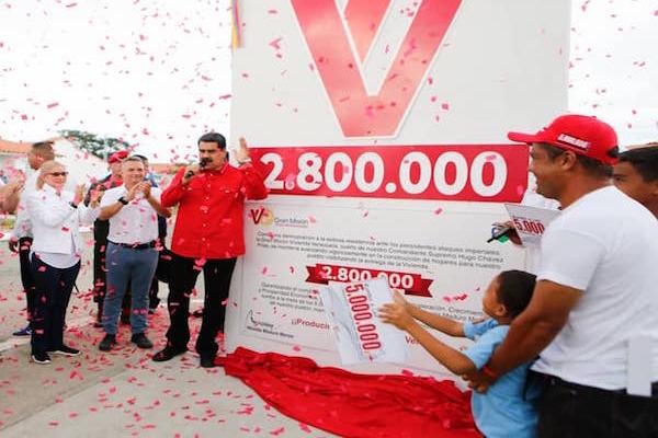 Maduro anuncia entrega de vivienda 2 millones 800 mil, sin manera de comprobarlo
