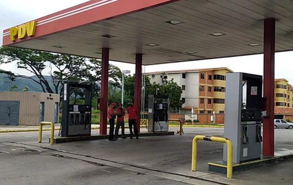 Venezuela sin gasolina (I): En Lara y Carabobo esperaron hasta 600 horas para surtir combustible