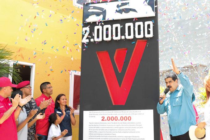 """Presidente Maduro anuncia entrega de la vivienda 2 millones en plena """"guerra económica"""" y el bloqueo internacional"""